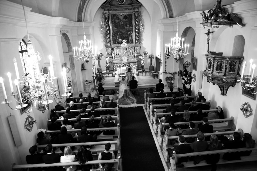 Belle Wedding Hochzeitsplanung Hochzeitspaar Kirche